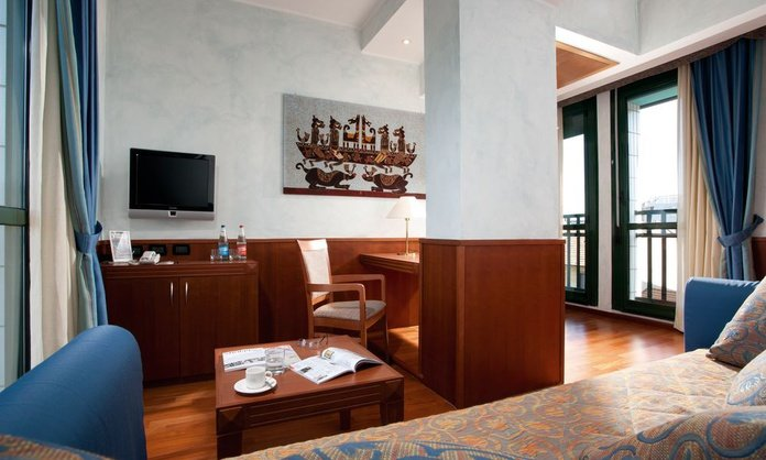 JUNIOR SUITE Raffaello Hotel Milan